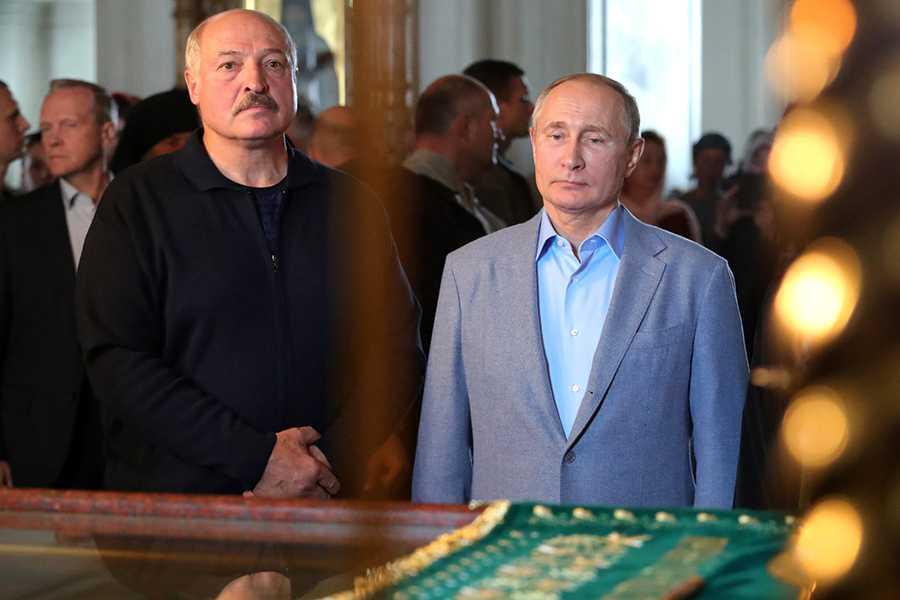 Лукашенко заявил об отсутствии искр в отношениях с Путиным